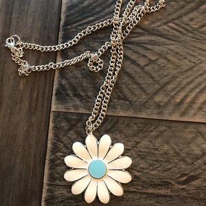 New Retro Style Silver Daisy Chain Necklace !